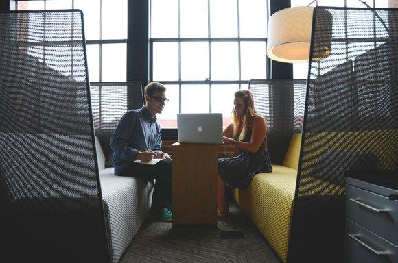 Travaillons ensemble - Je suis consultant SEO / SXO freelance, certifié Google